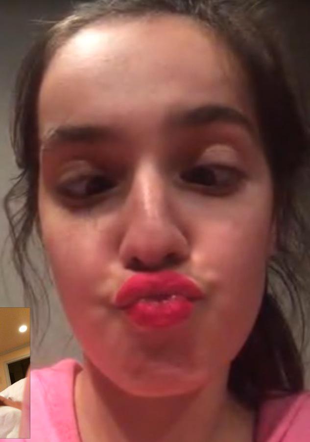 Elizabeth Etterbeek On Twitter When Gisele S Lipstick Won T Come