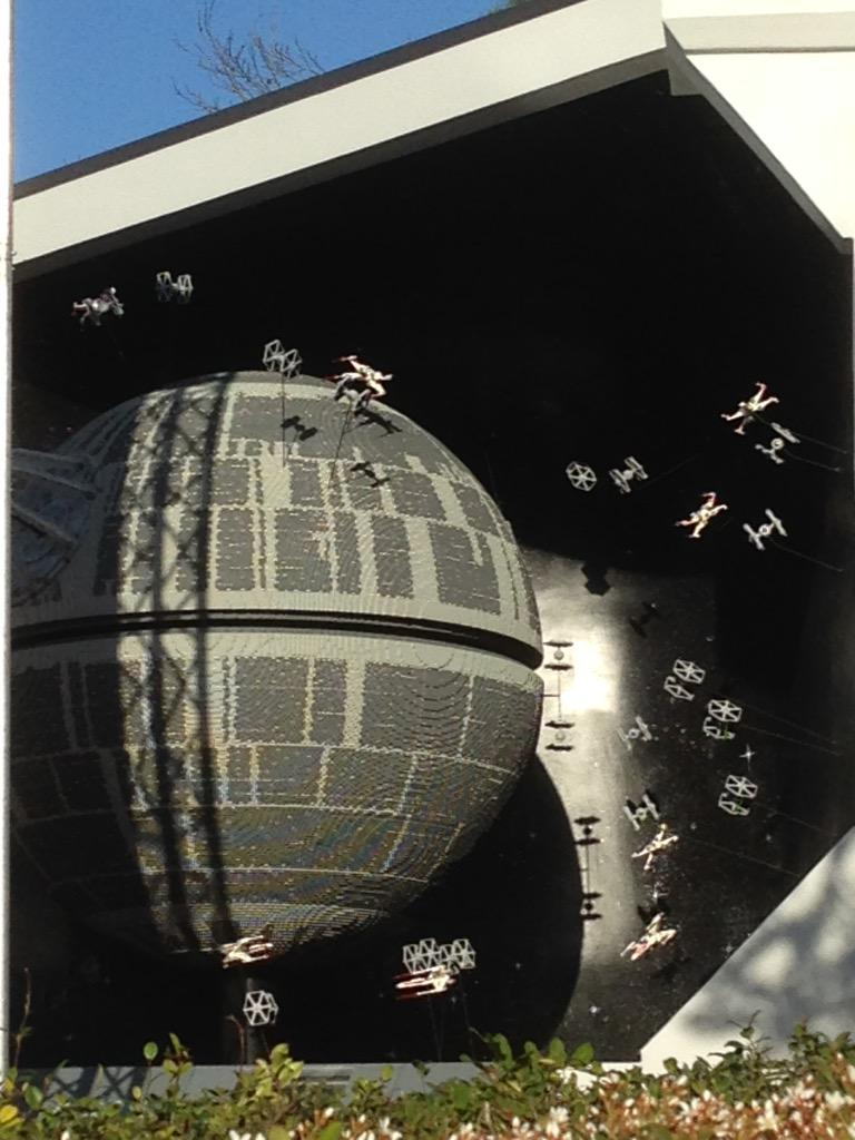 Tonight we unveil our #LEGOLANDDeathStar Here's a sneak peek! #BehindtheScenes http://t.co/QvSWgYh9fL