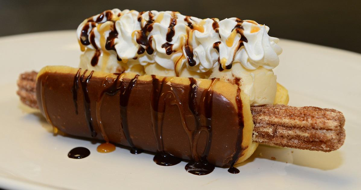 ICYMI (though we're not sure how), the Churro Dog is kind of a hit: http://t.co/qAu4MR7QEm http://t.co/kPcuMrMSAZ