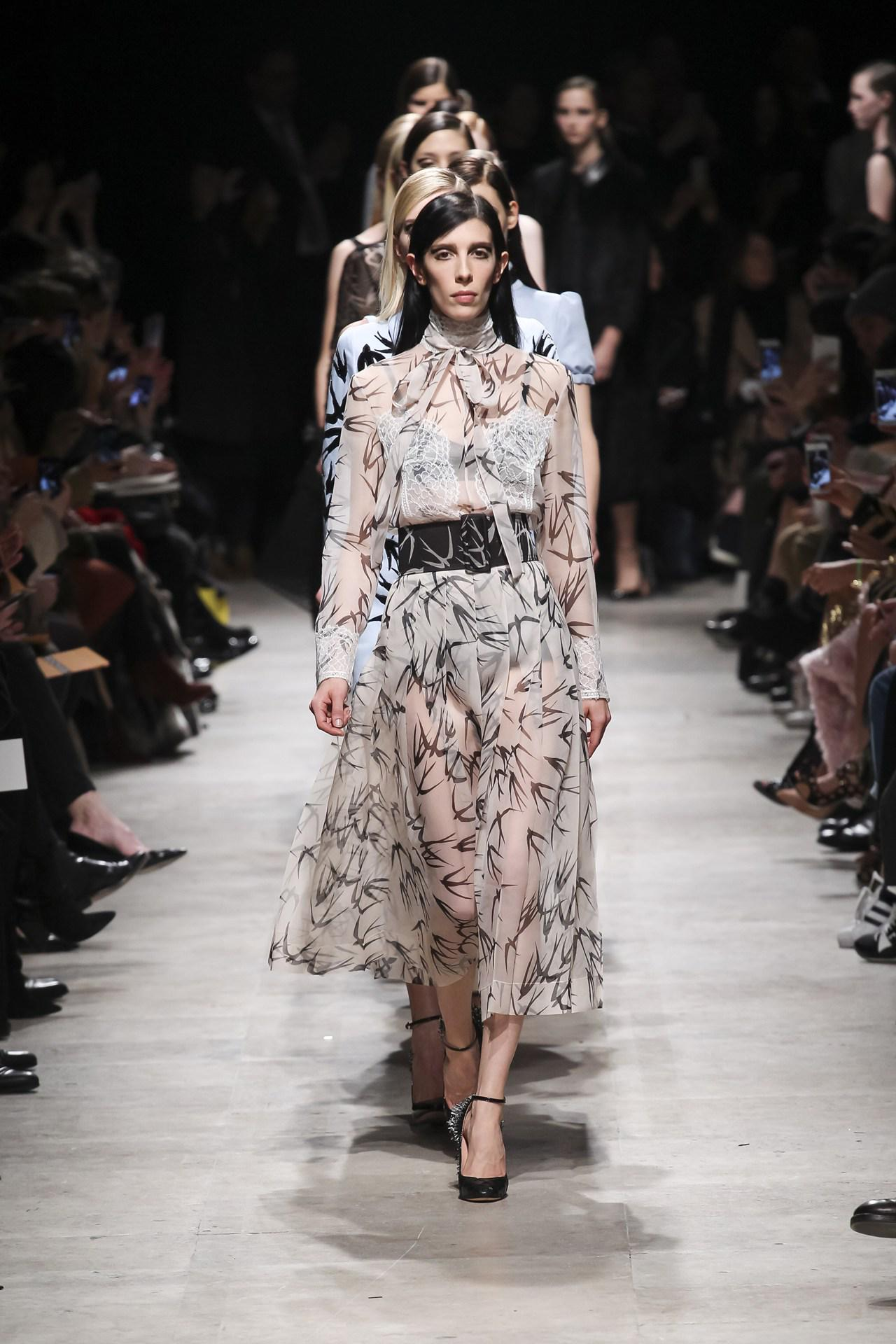 See last night's Rochas show from every angle: http://t.co/H3hF6weqfZ #pfw #aw15 http://t.co/7r7pUKLobM