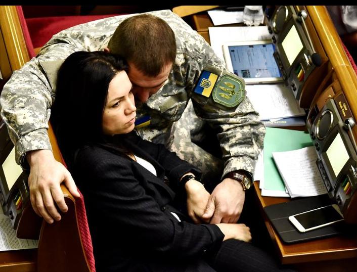 Закон об увеличении численности Вооруженных Сил позволит восстановить армию, разрушенную Януковичем, - Юрий Береза - Цензор.НЕТ 3328