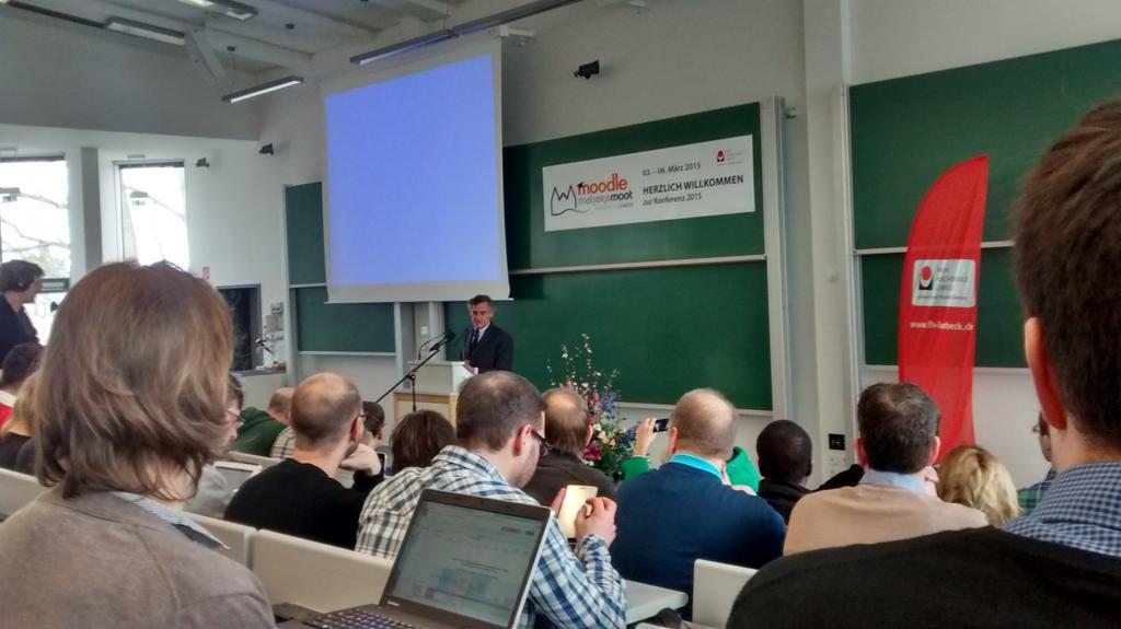 Die #MootDE15 geht los! Unser Bürgermeister lobt die Gründungsidee der Virtuellen Fachhochschule. http://t.co/CRVVbsdM5U