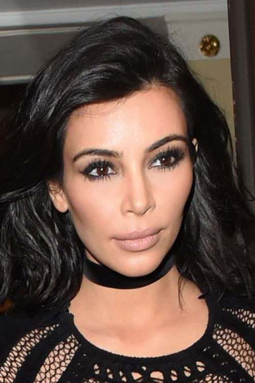 Kim Kardashian has revealed a dramatically different hairstyle and we most definitely approve http://t.co/4y7knPY4Kk http://t.co/GLOMCndGGP
