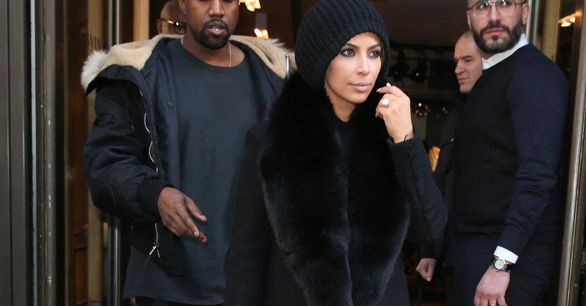 What are you hiding under that beanie @kimkardashian? http://t.co/YdSPCRAEQQ http://t.co/7bVfwCBxTp