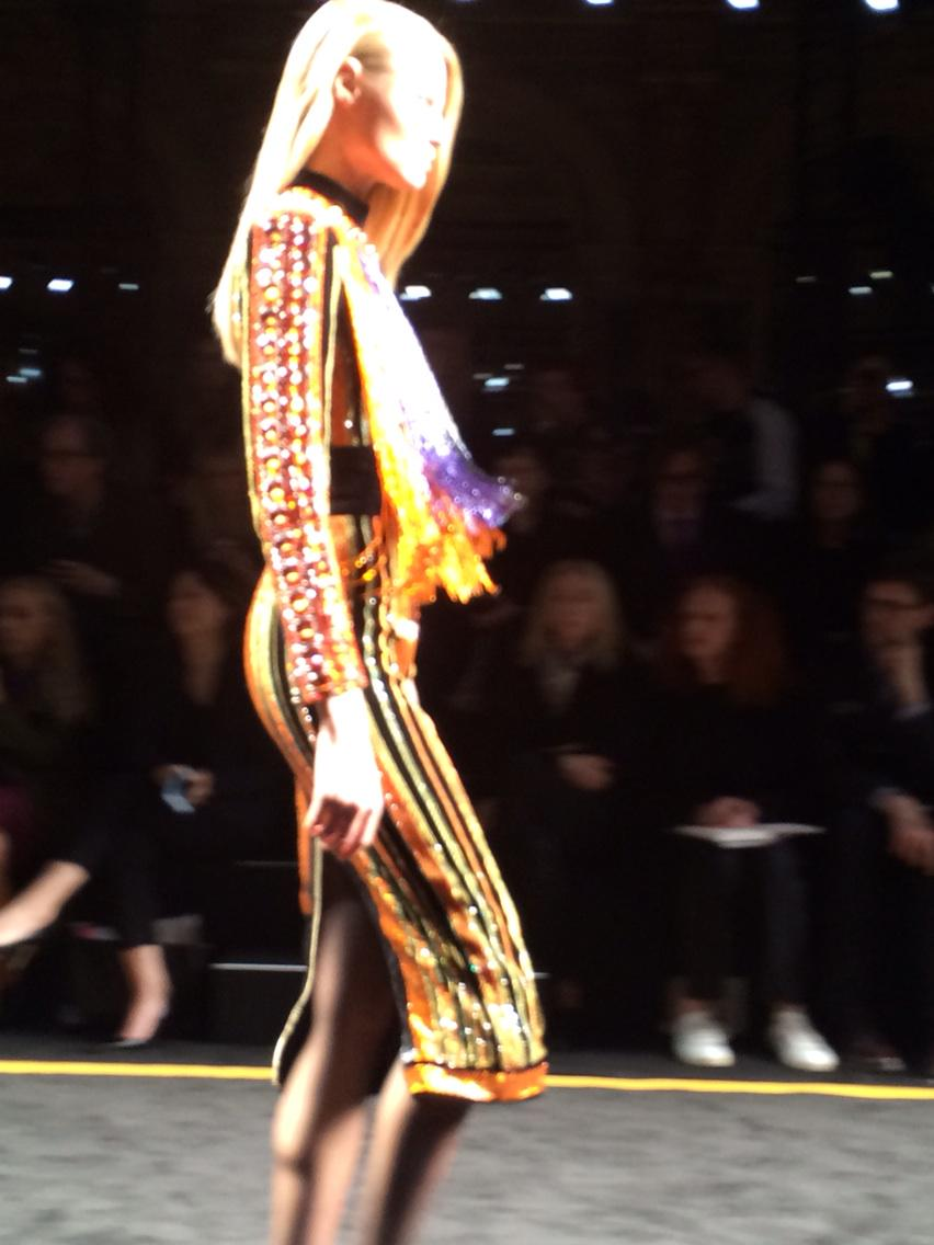 RT @VVFriedman: Fringe and crystals and cut rocks all in one dress at @Balmain #PFW http://t.co/dhxn6T7LmN