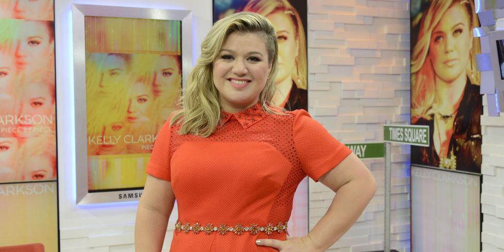 Kelly Clarkson Shut. It. Down. when a troll went after her weight: http://t.co/70YeeEynYv http://t.co/YyNg8FRuWO