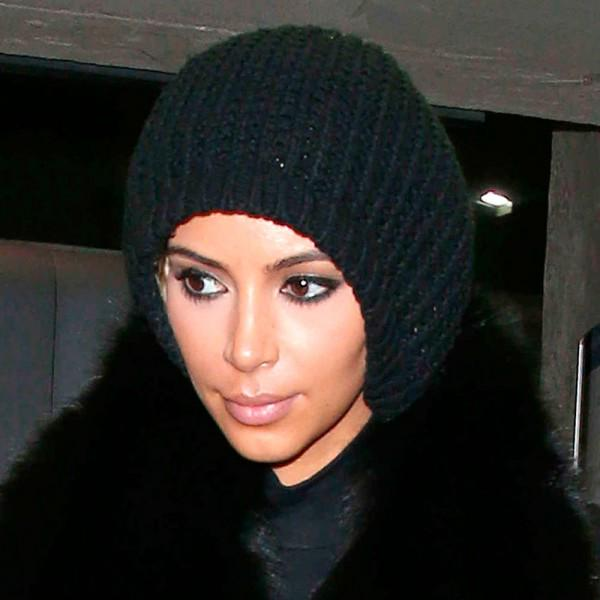 We knew it! @KimKardashian HAS gone blonde but it's WAY more extreme than we imagined! WOW: http://t.co/ZiYVxrxE3V http://t.co/yrMIFp1Xiv