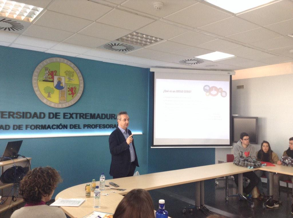 """Avances en serious games en educacion"" a cargo de Jesus Valverde Berrocoso #VJunex http://t.co/txNbJ1cJ1H"