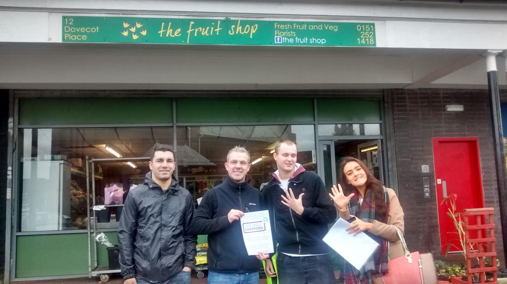 T2 promoting 5 a day with The Fruit Shop! @LiveWellLpool @HW_Liverpool @PSSpeople #staywell http://t.co/3GFDV6P9bu