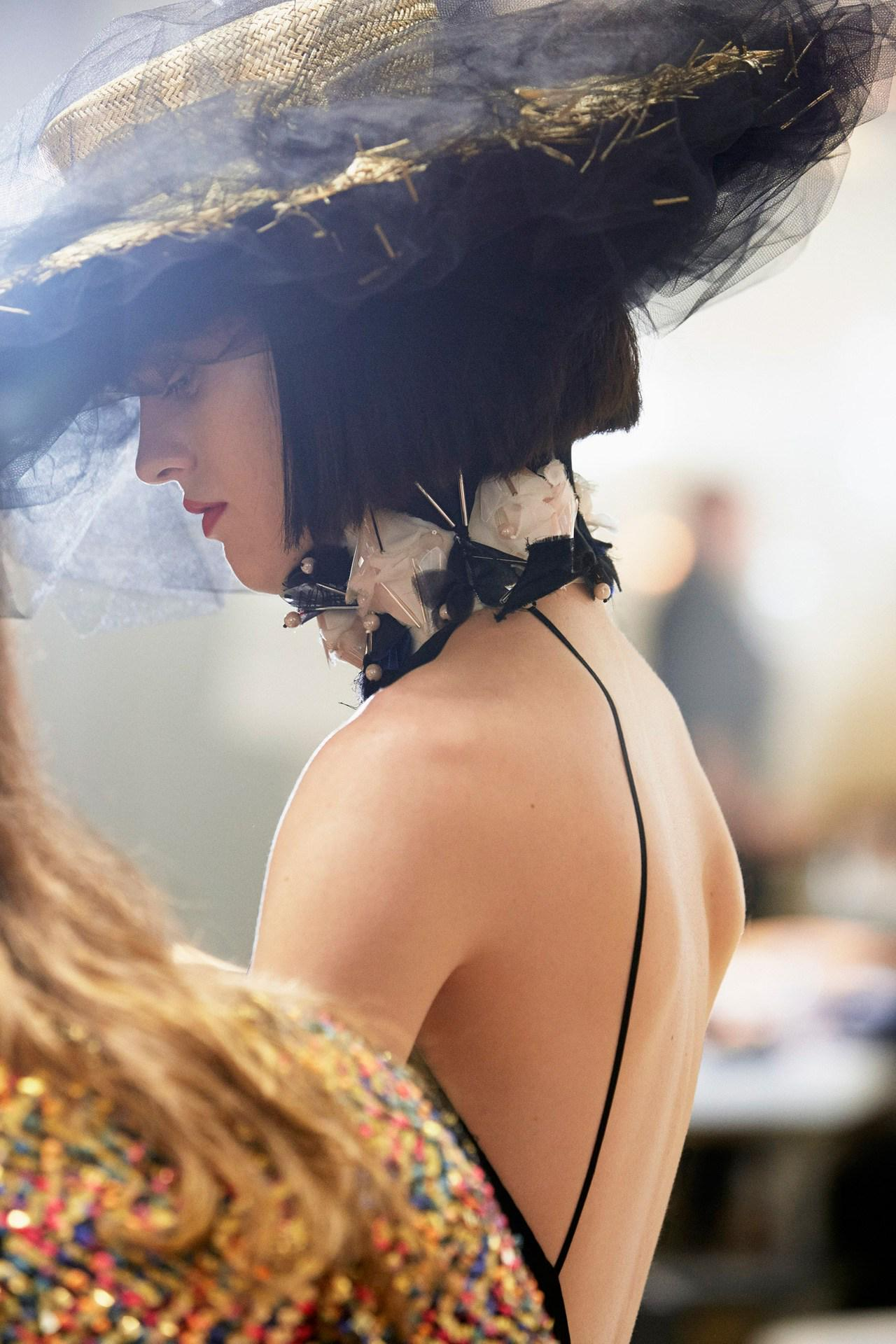 WATCH: how Chanel couture is made - http://t.co/DaMZxu08SY http://t.co/ivgmT6zcwB
