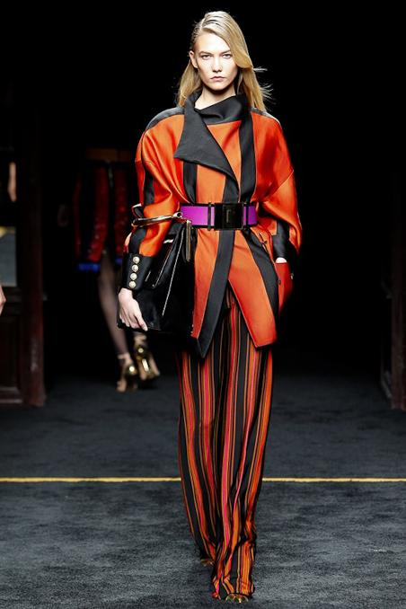 Just in: Complete runway photos from @Balmain Fall '15 are here: http://t.co/OSzZEkaaPW #PFW http://t.co/oeLHhq7qZl