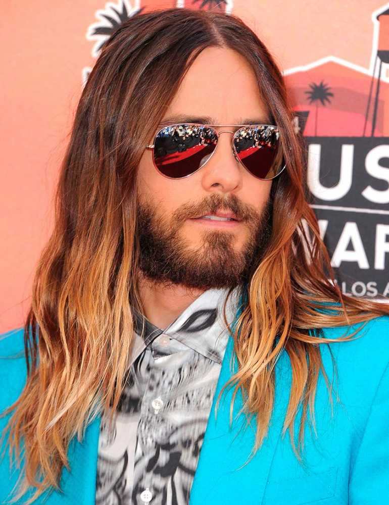 Jared Leto doesn't look like this anymore, either: http://t.co/UiZoJT5WnM http://t.co/faT0XjVtPw