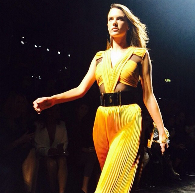 Balmain borrowed the Victoria's Secret Angels for the hottest runway EVER: http://t.co/Zm9oSYmD0b http://t.co/1y4n0ws8nj