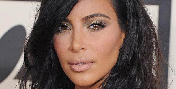 THIS IS NOT A DRILL: @KimKardashian is now platinum blonde. See her new look here: http://t.co/ucrEy34ThF http://t.co/keQtCyVXFv