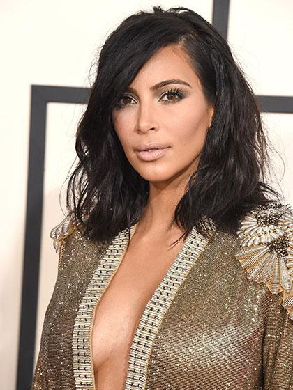 BREAKING: @KimKardashian is platinum blonde now! See it here: http://t.co/yuZVZv4qyn http://t.co/6hYqWvERBT