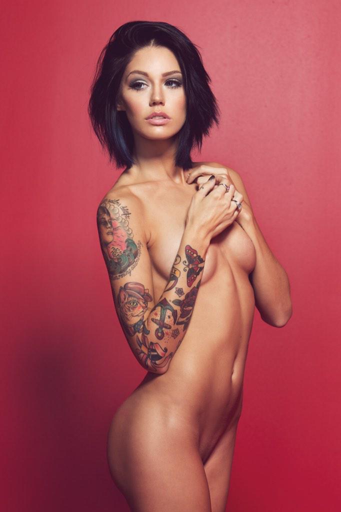 Голые фото девушек с татуировкой — 13