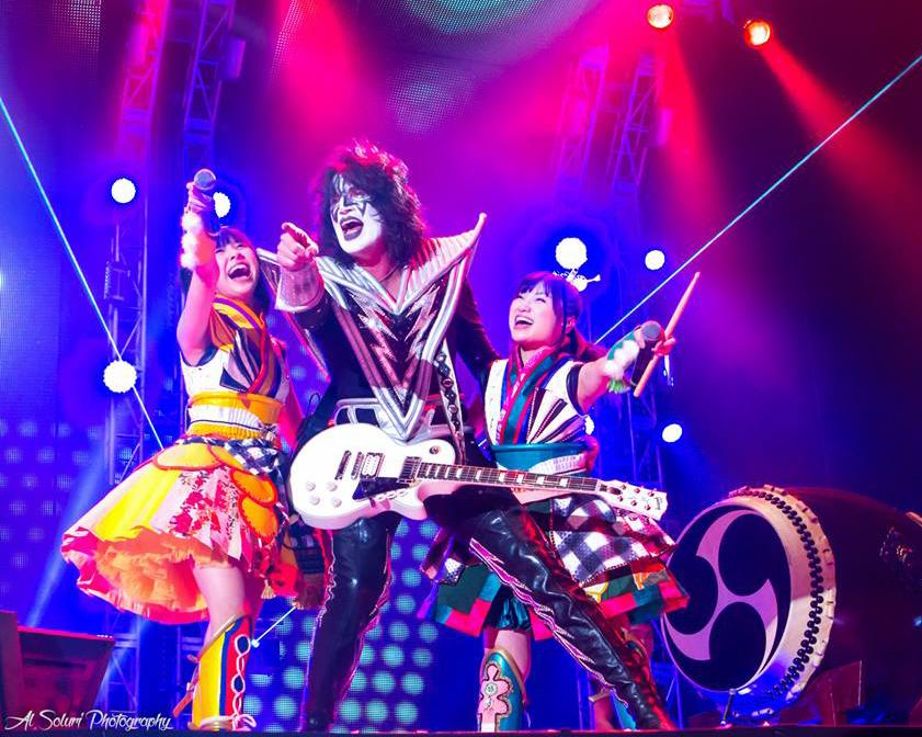 Rockin' it onstage at Tokyo Dome with Shiori & Momoka from Momoiro Clover Z #momoclo. Thx @AlSoluri http://t.co/6sifOUqxMv