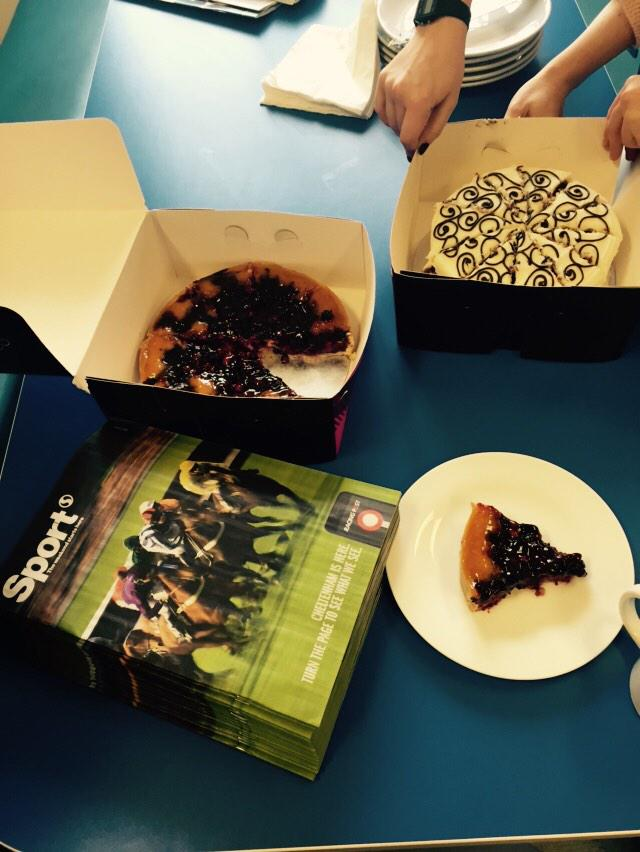 Thanks for the moving in cakes @tSCommercial a great way to start Friday! http://t.co/TcU6auw6Od