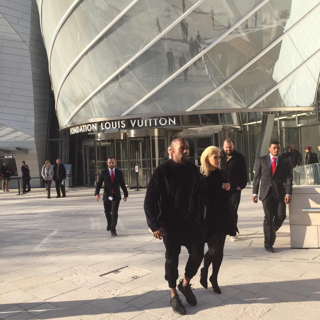 Stay tuned... #fondationlouisvuitton #kanyewest http://t.co/YGm9b9kiyN