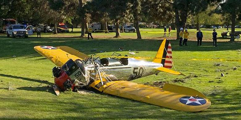 Twitter Reacts To Harrison Ford's Plane Crash http://t.co/jTmXcVm1sm http://t.co/XiuO0UFawL