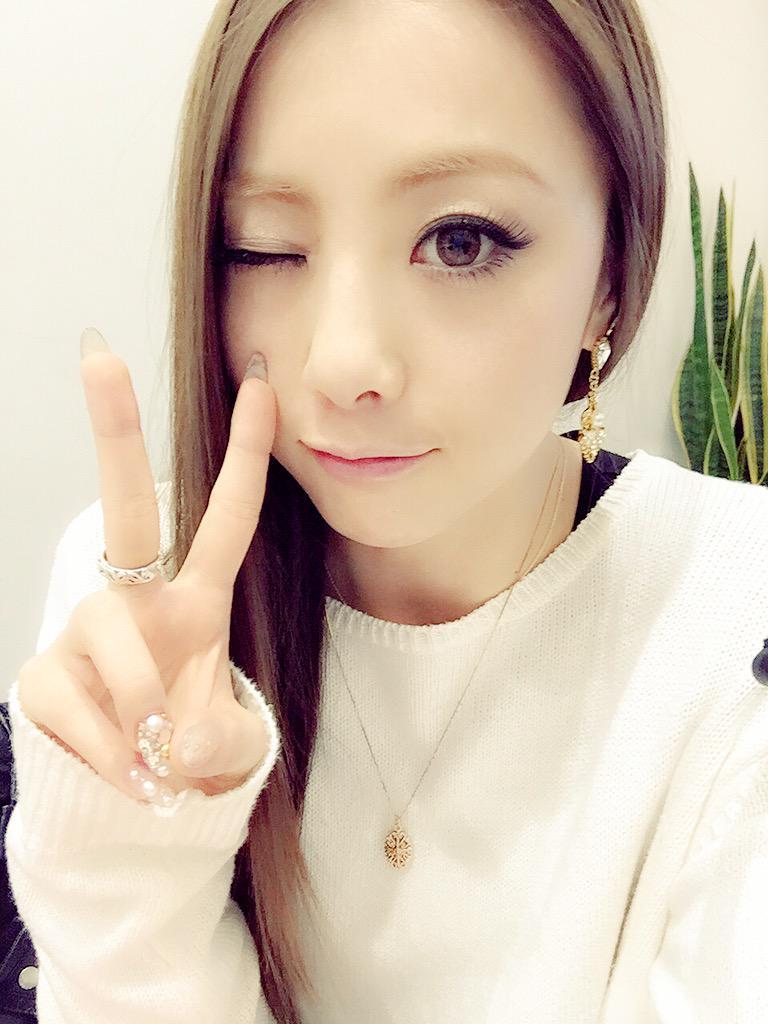 私、Dream/E-girls Shizukaは 今日3/6に誕生日を迎えました!!  たくさんのお祝いメッセージ ありがとうございます✨  真の通った素敵な女性目指して これからも皆さんの笑顔のために頑張ります!!Shizuka http://t.co/7aAViq2vCz