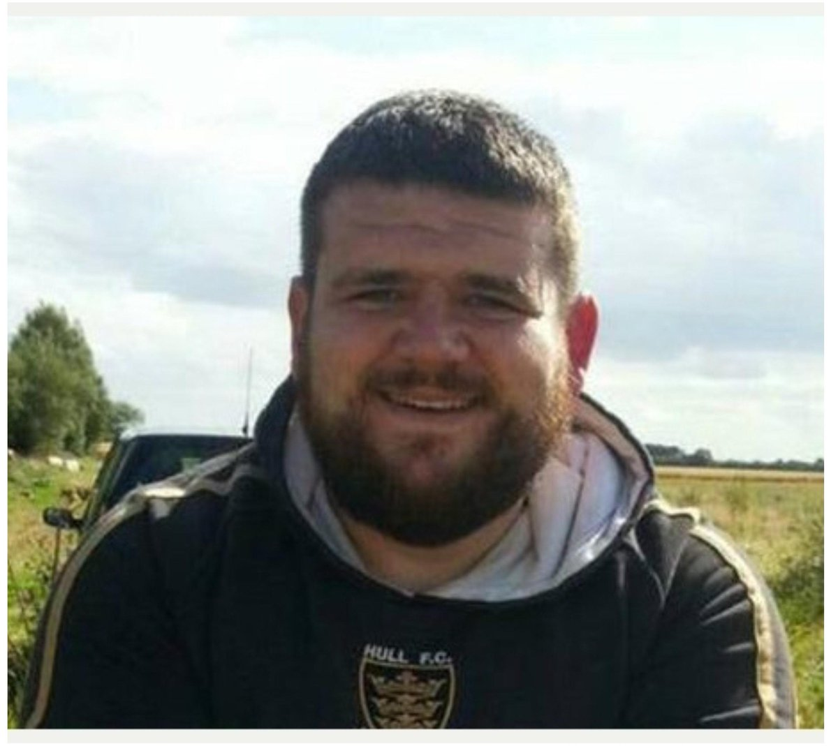 HULL FC FAN MISSING - Daniel Collinson (29) of Withernsea.  Missing since Monday 2 March. http://t.co/HHEqYHmcix http://t.co/MsGqRhyu4D