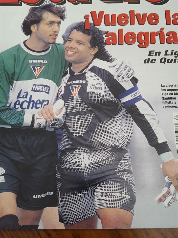 @LaCasacaBlog #ShortPeculiar año 1998 J. Espinoza arquero de @LDU_Oficial http://t.co/KmOOv00nmN