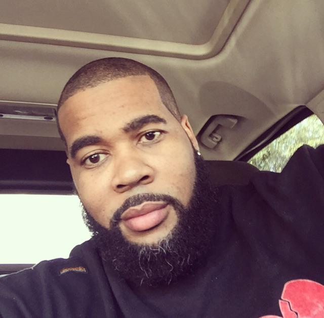 @PostBadBeards #BlackOutDay Bearded love in black with a little sprinkle of gray http://t.co/hWycisGGtw