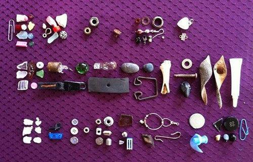 「カラスの恩返し!」8歳少女が毎日エサを与えていたら、お礼に宝物を置いて行くようになったlabaq.com/archives/51845… pic.twitter.com/w9nlaRbA5L
