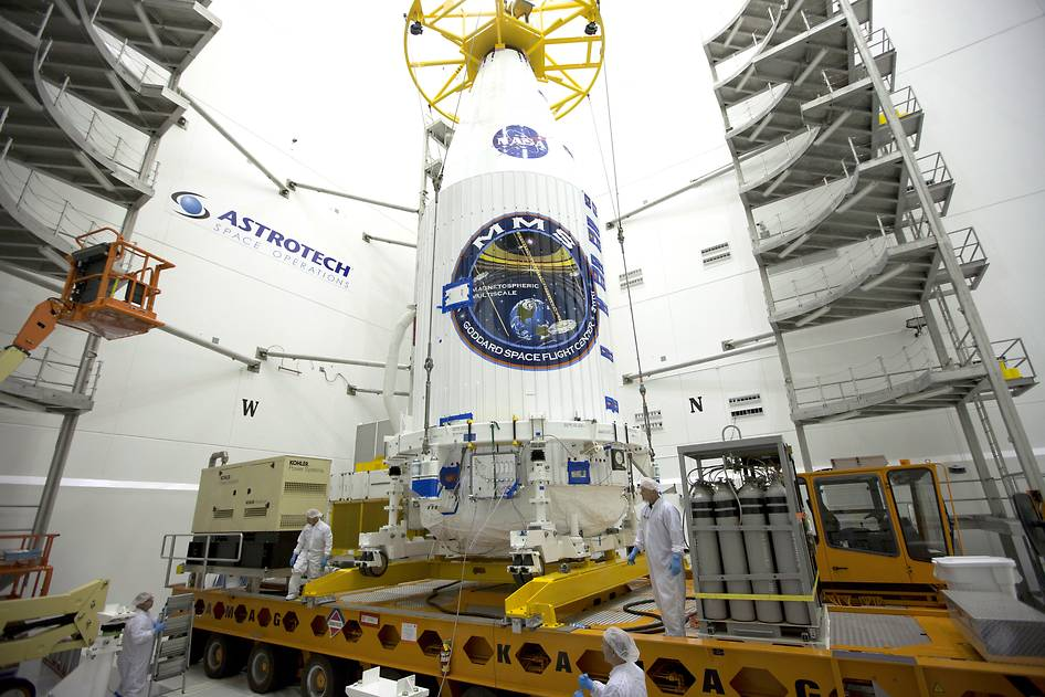 """""""@NASA: The @NASA_MMS mission is cleared to proceed towards launch next week: http://t.co/3jr3Q3Qbqf http://t.co/SenzeJu9iJ"""" CAN'T WAIT"""