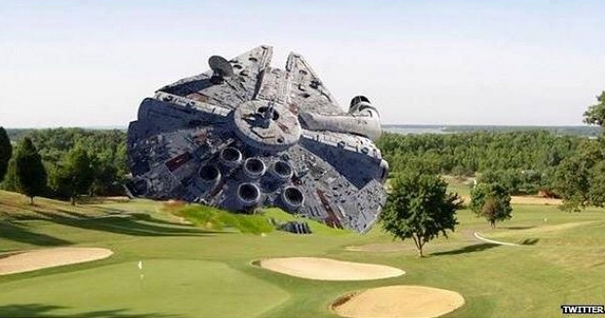 New images have surfaced of Harrison Ford's golf course wreck. http://t.co/0waukWIkpS