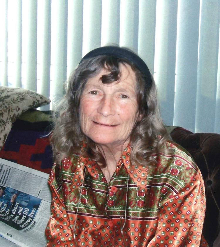 Have you seen Kathleen Bradley, 76, missing in the Eastbourne area since this morning. Any sightings please call 101. http://t.co/F66UEzCzbY