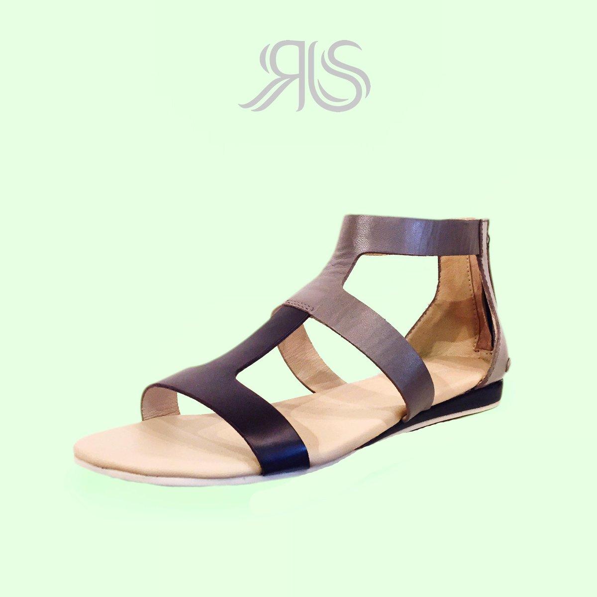 Hashtag Lacoste Womens Twitter On Sandals qqzSBUExwr