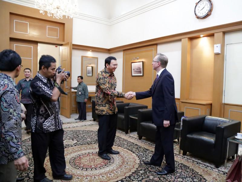 #Galuzin Pertemuan yang sangat baik dengan @basuki_btp pada 5 Maret; berbincang peningkatkan hubungan Moskow-Jakarta http://t.co/kxEFNKJxYz