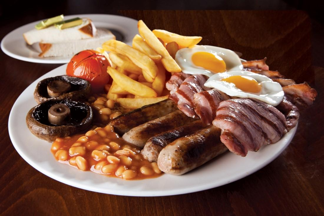 All day breakfast is a great English tradition for the first leg of #TheAviators Orient Express adventure http://t.co/3OQgdGvsE4