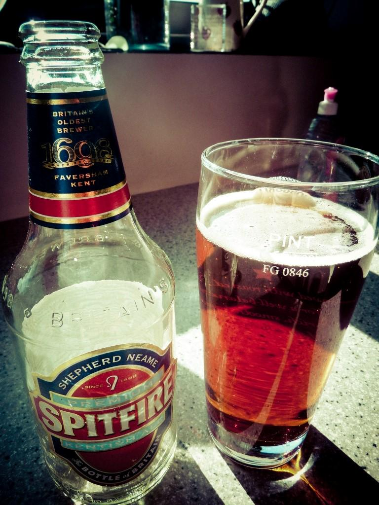 #TheAviators hare-craft crew are passing through the carriage with some Spitfire beer for us! http://t.co/avlYlDkKo9