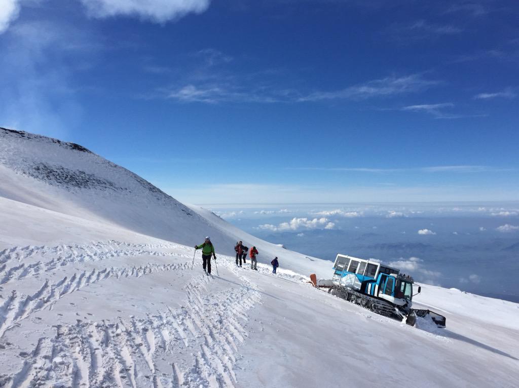 Spectacular #Etna. Next time, @IndyTravel @JackdeMenezes, join us for skiing! http://t.co/cMRmeyQ5ZW @thinkvillas