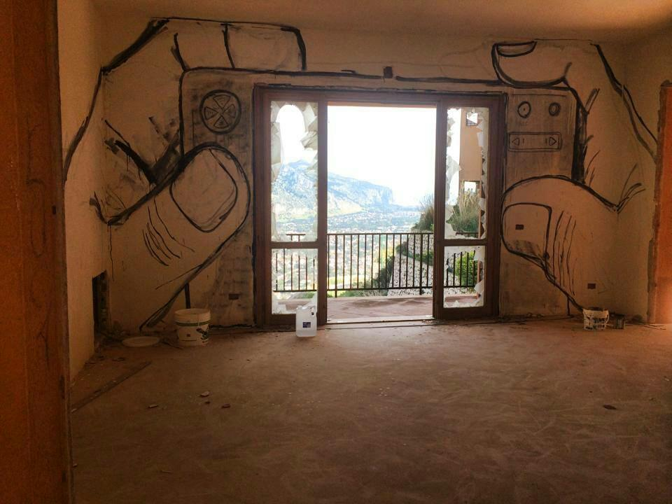 Italian graffiti. Inside an abandoned house in Palermo. #Klout70 #Italy http://t.co/ZRGHgwVrX0
