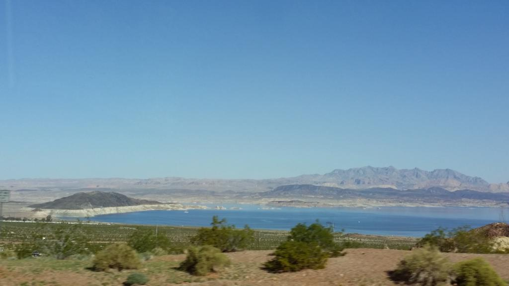 Lake Mead. The white ring is where the water should be. http://t.co/BBewubmwwu