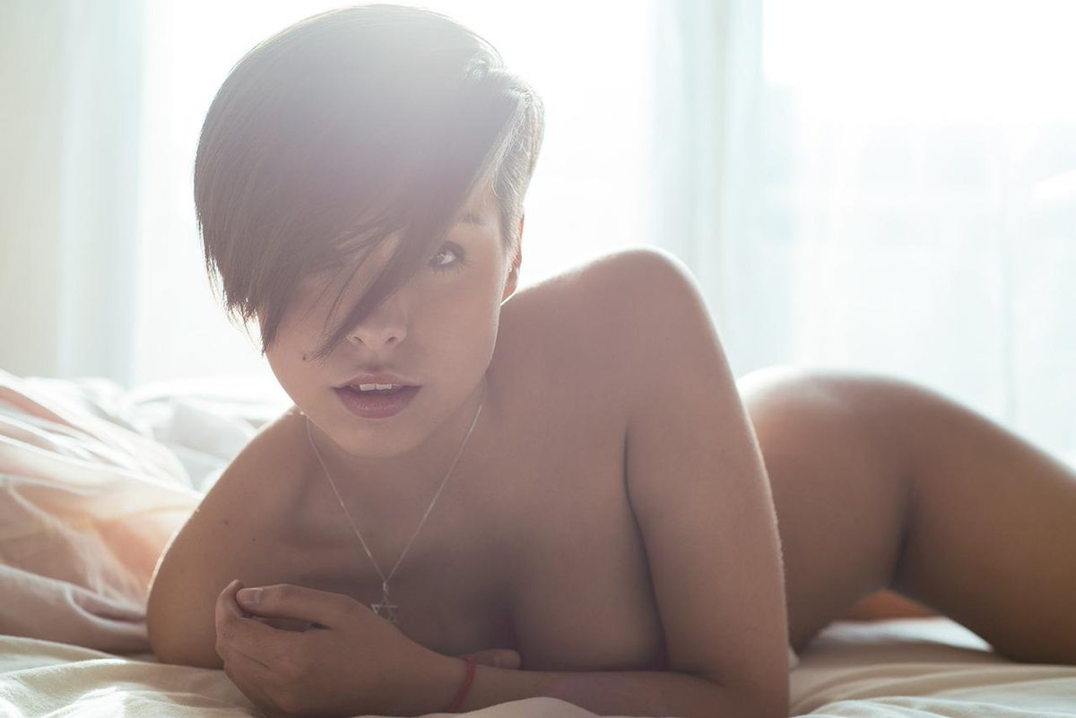 Naked sexy girl short hair 5