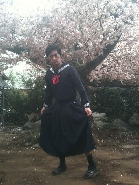 ここでニンニンジャーで蛾眉雷蔵を演じた松田賢二さんのブログの画像を見てみましょう http://t.co/yNldsm1Ugt