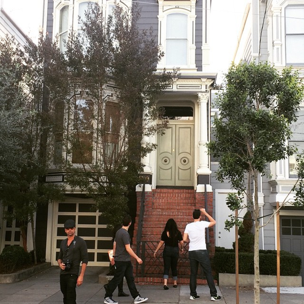 I'd like to think I'd spot @JohnStamos if/when I visit the #FullHouse house. Of course, I'd never be so lucky! http://t.co/GRud0pa8ow