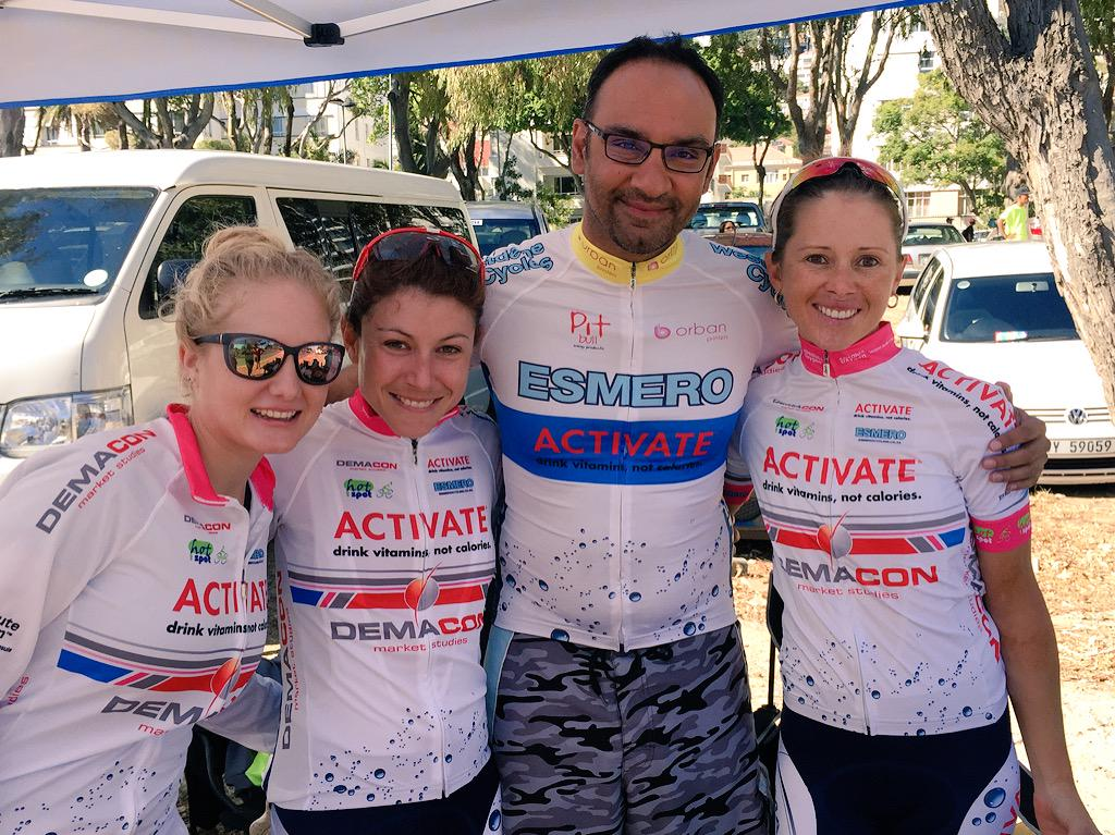 The Champions of the #CapeTownCycleTour Elite ladies @LynetteBurger @anli_k @Heidz21 @ESMEROcycling @ActivateDemacon http://t.co/lqN13kEm5b