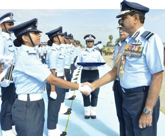 Indian women pilots lead world statistics with 11.6% pilots in #India ,way above 3% global average #WomensDay http://t.co/zmM5Wvxd4A