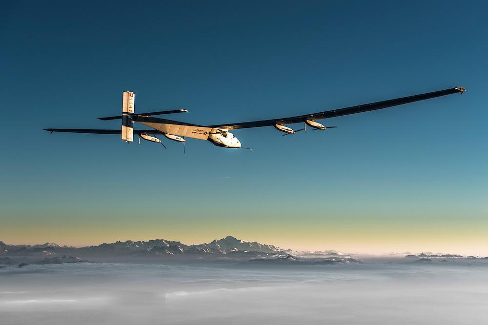 Abu Dhabi: inizia giro del mondo con aereo a energia Solare