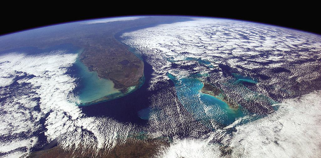 Astronaut @Cmdr_Hadfield on creating out of this world images: http://t.co/Ayww6U1nXW http://t.co/i7wIv1dkqU