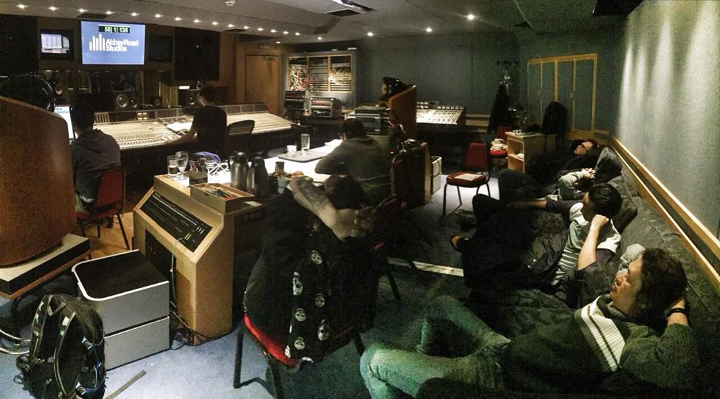 Proses rekaman album baru /rif di abbey road studios london http://t.co/Kehx7DKIs4