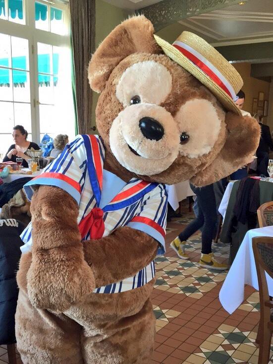 Brunch domenicale al Disneyland Hotel - Pagina 4 B_lskRcWcAAm69B