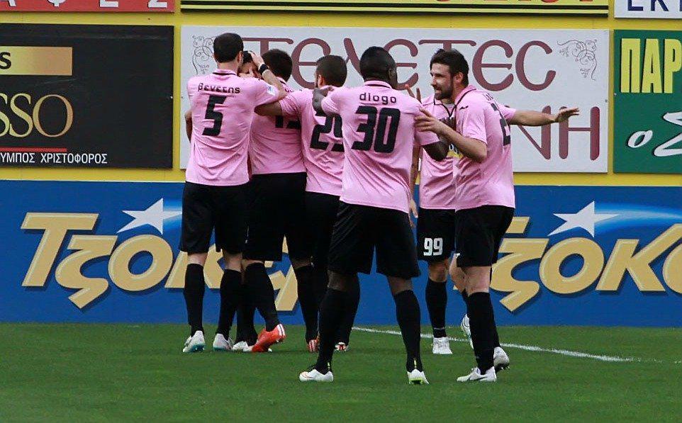Dimitrovski celebrates with teammates