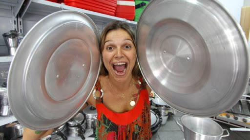 A única vez que vi o Brasil eliminar alguém depois de bater panela dentro de casa foi a Tina, no BBB 2! http://t.co/QlWzH3S2XI
